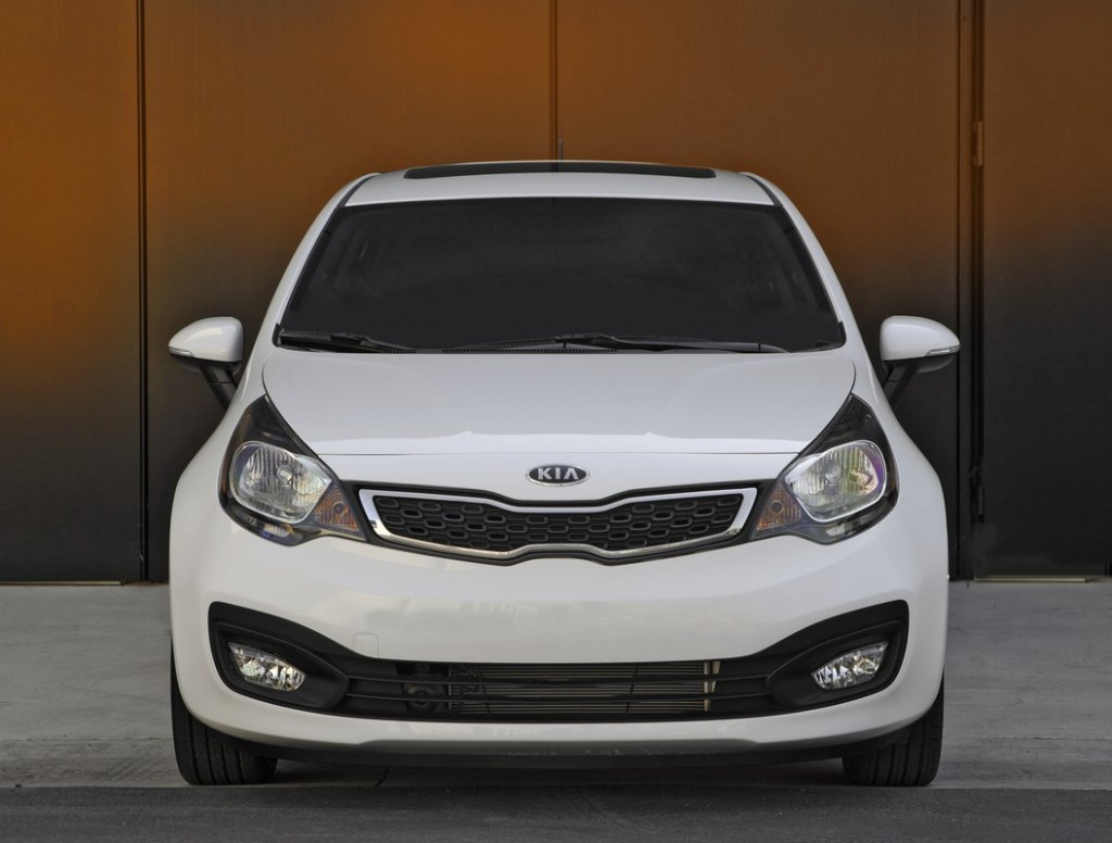 2013 kia rio green light for fuel saving stop start option. Black Bedroom Furniture Sets. Home Design Ideas