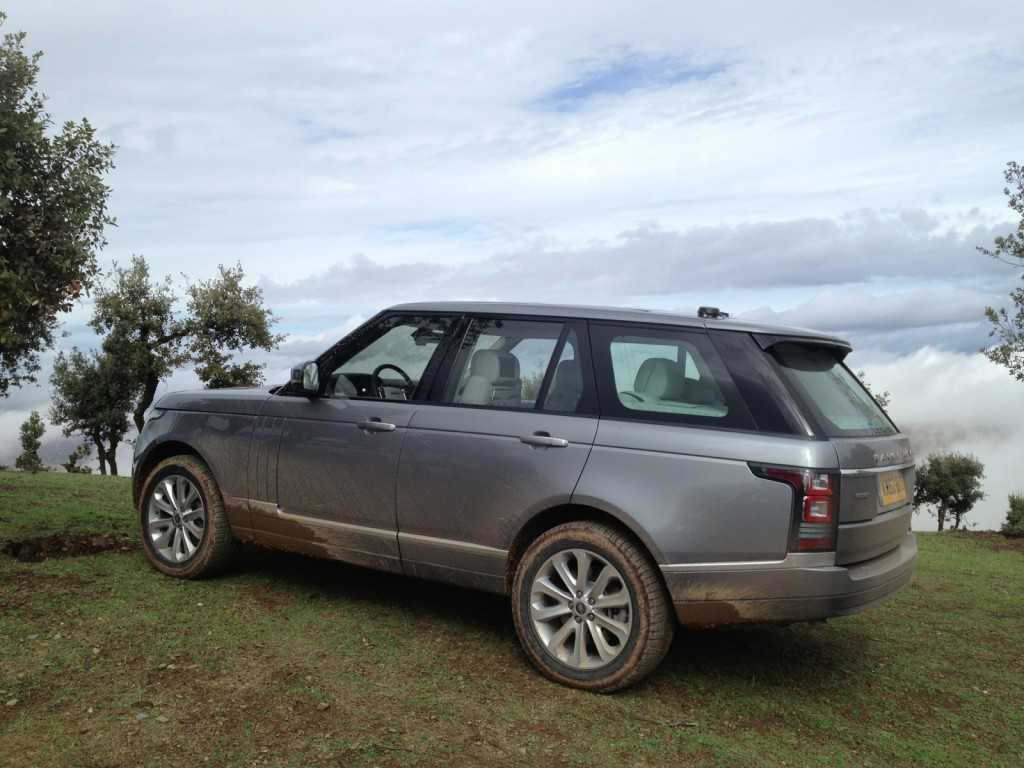 2013 land rover range rover pictures photos gallery green car reports. Black Bedroom Furniture Sets. Home Design Ideas