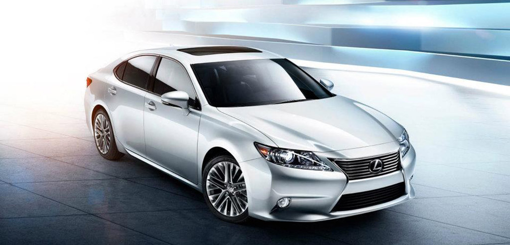 2013 lexus es 350 and es 300h debut at 2012 new york auto show. Black Bedroom Furniture Sets. Home Design Ideas