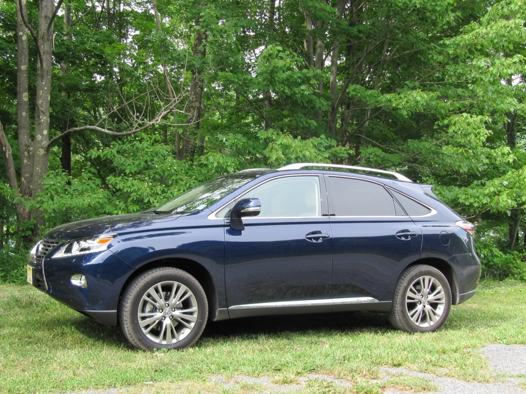 2013 lexus rx 450h 750 mile gas mileage test. Black Bedroom Furniture Sets. Home Design Ideas