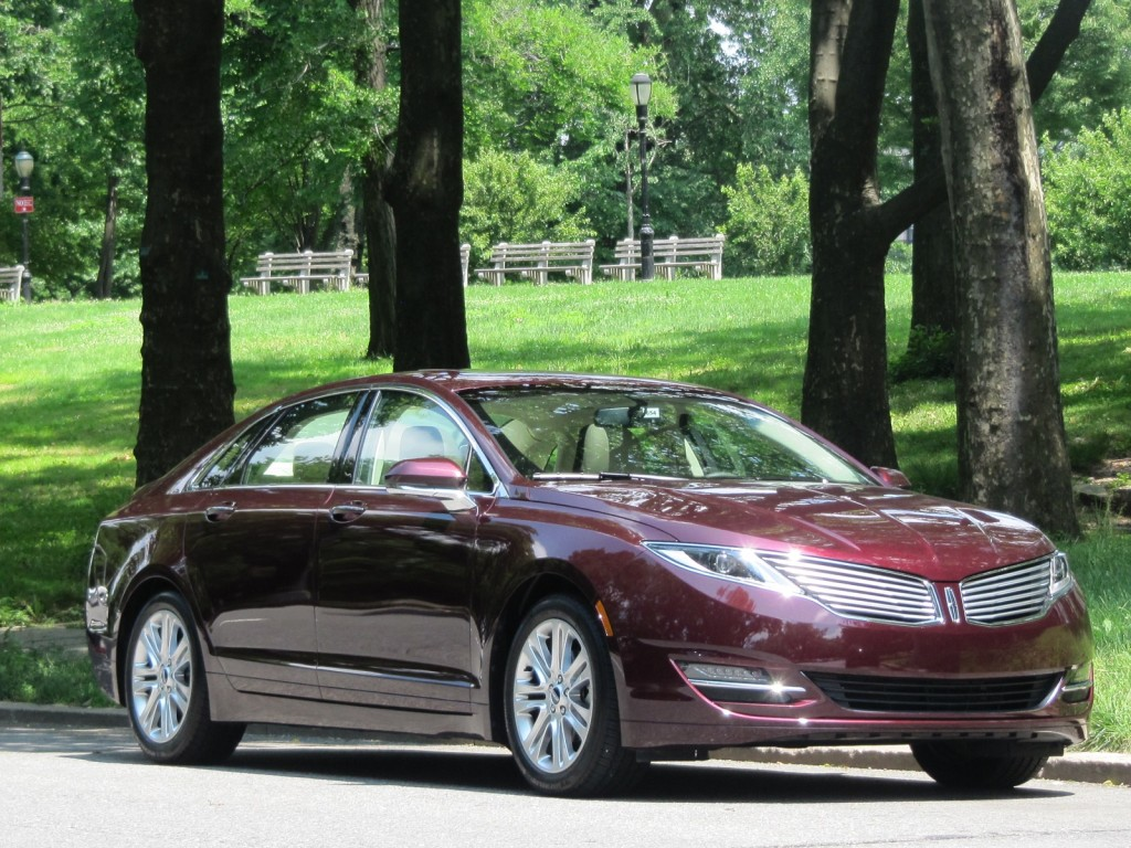 2013 lincoln mkz pictures photos gallery motorauthority. Black Bedroom Furniture Sets. Home Design Ideas