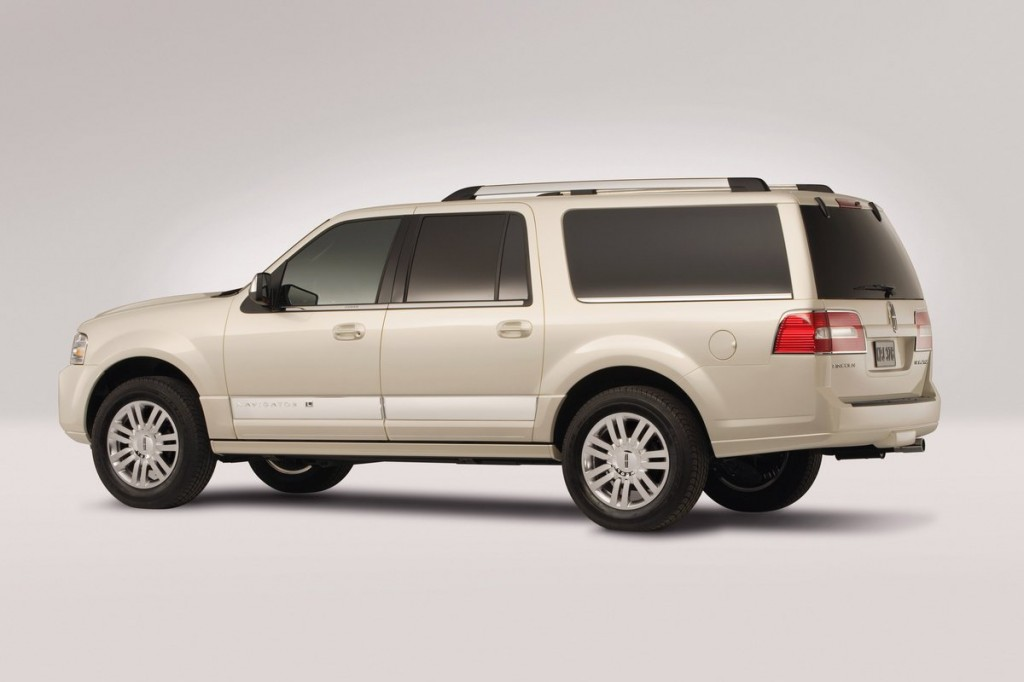 2013 Lincoln Navigator L Pictures/Photos Gallery - Green Car Reports