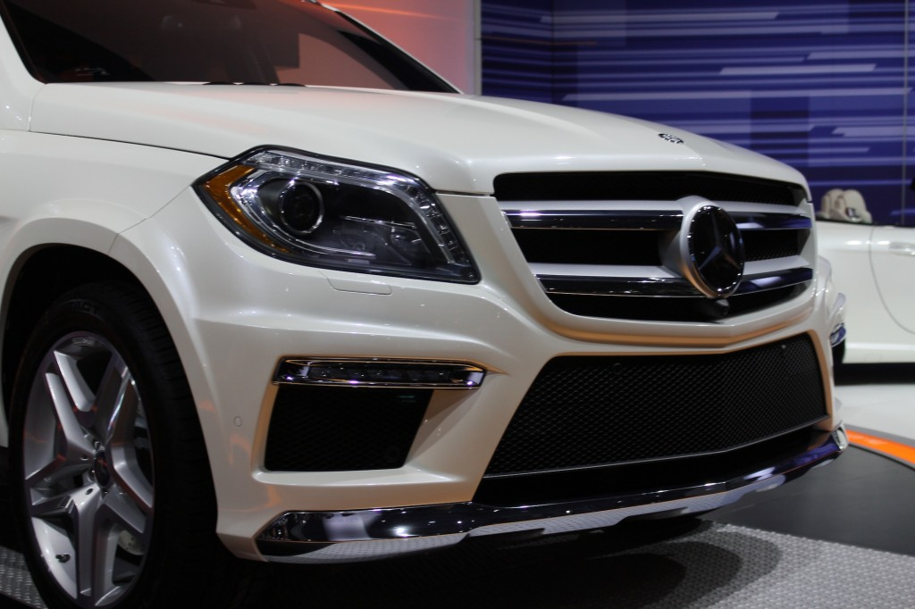 Mercedes benz to bring next gen gl class to new york for Mercedes benz southampton ny
