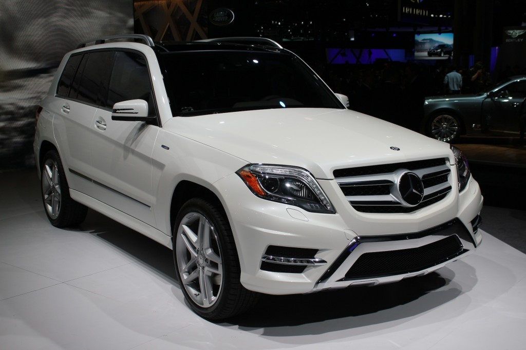 2013 mercedes benz glk class live photos 2012 new york auto show. Black Bedroom Furniture Sets. Home Design Ideas