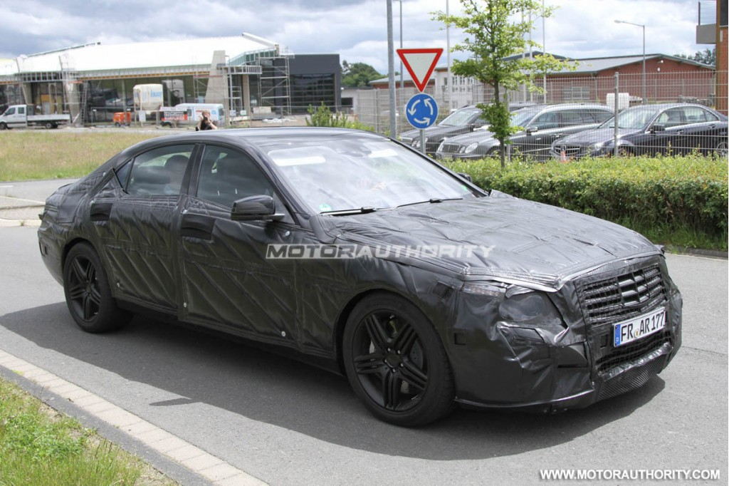 2018 mercedes benz s class spied with bigger screens for Mercedes benz s63 amg 2013
