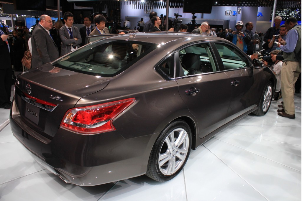2013 nissan altima coming to your dealer in a few weeks. Black Bedroom Furniture Sets. Home Design Ideas