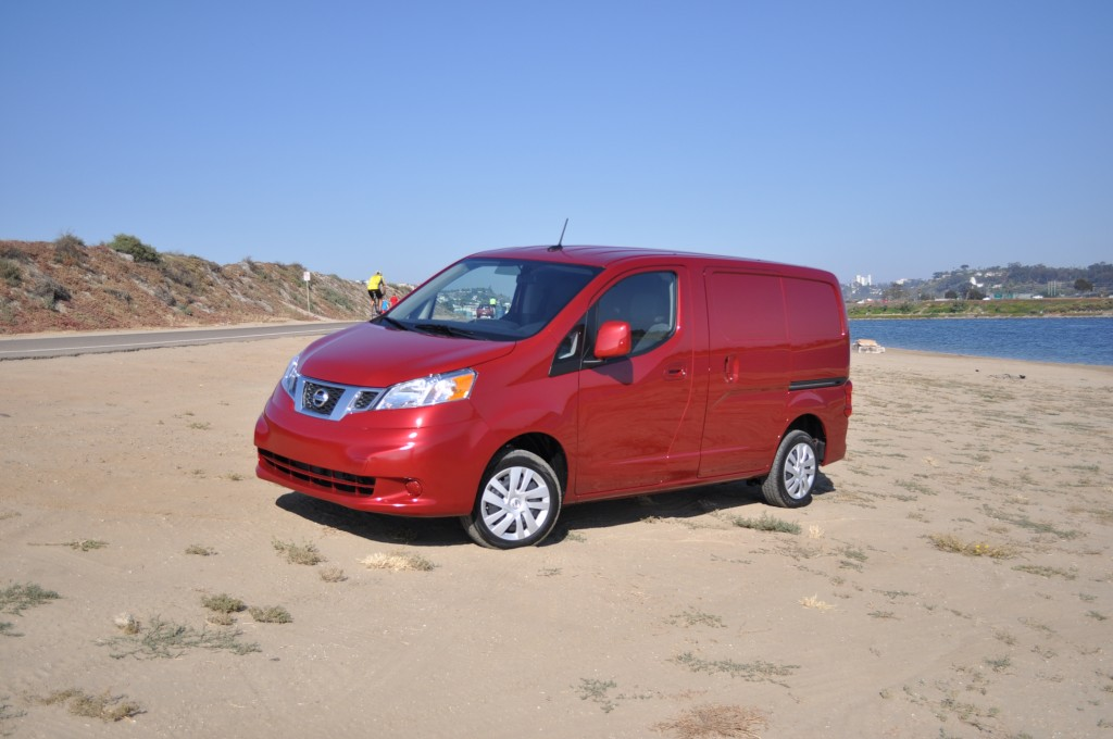 2013 nissan nv200 pictures photos gallery green car reports. Black Bedroom Furniture Sets. Home Design Ideas