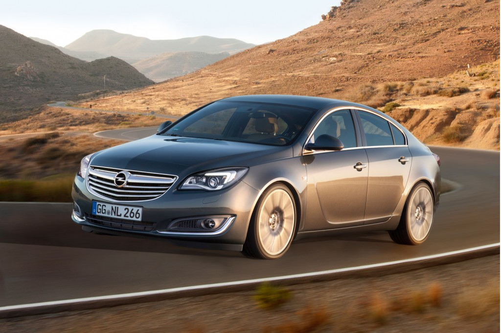 updated opel insignia revealed ahead of 2013 frankfurt. Black Bedroom Furniture Sets. Home Design Ideas