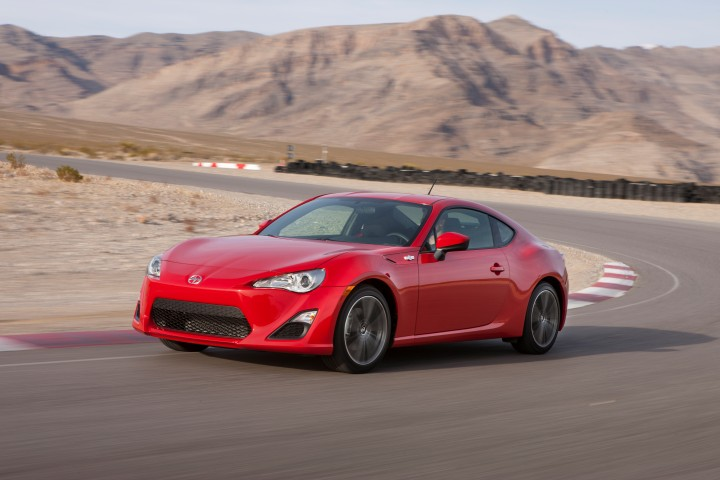 2013 scion fr s subaru brz safe and exciting sports car. Black Bedroom Furniture Sets. Home Design Ideas