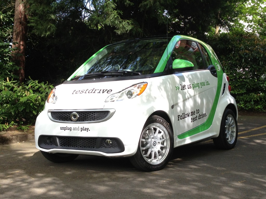 2013 smart fortwo electric drive yes better without gasoline. Black Bedroom Furniture Sets. Home Design Ideas
