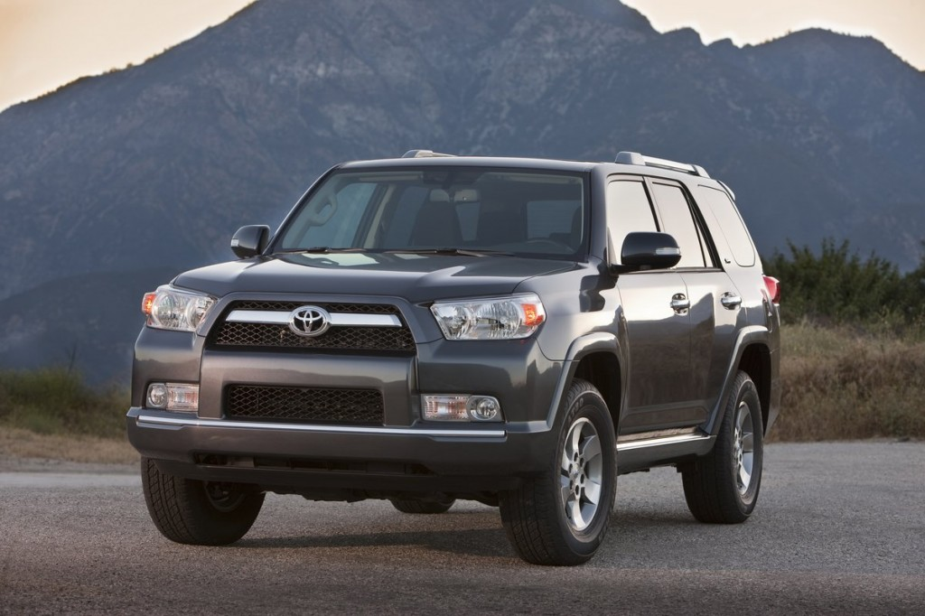 2013 toyota 4runner pictures photos gallery motorauthority. Black Bedroom Furniture Sets. Home Design Ideas