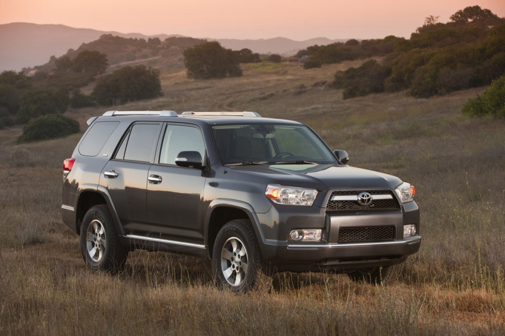 2013 toyota 4runner pictures photos gallery the car connection. Black Bedroom Furniture Sets. Home Design Ideas