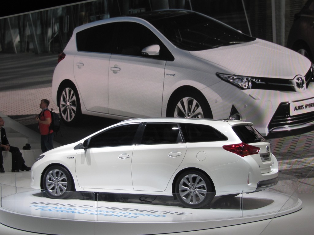 image 2013 toyota auris hybrid touring sports wagon european model at 2012 paris auto show. Black Bedroom Furniture Sets. Home Design Ideas