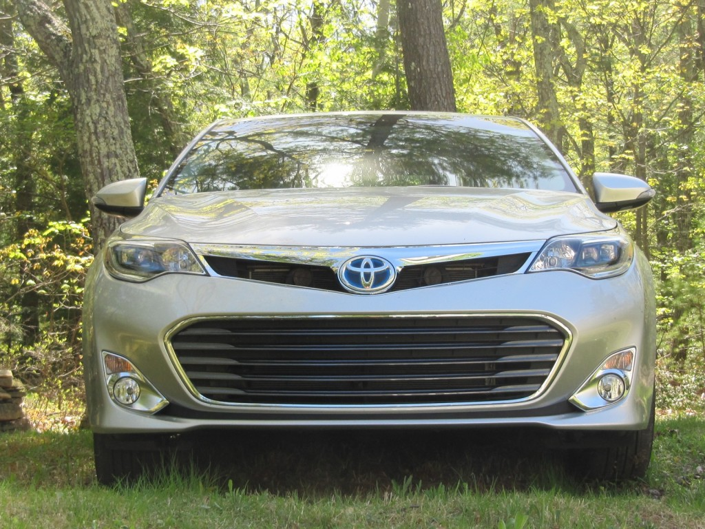 2013 toyota avalon hybrid gas mileage drive report. Black Bedroom Furniture Sets. Home Design Ideas