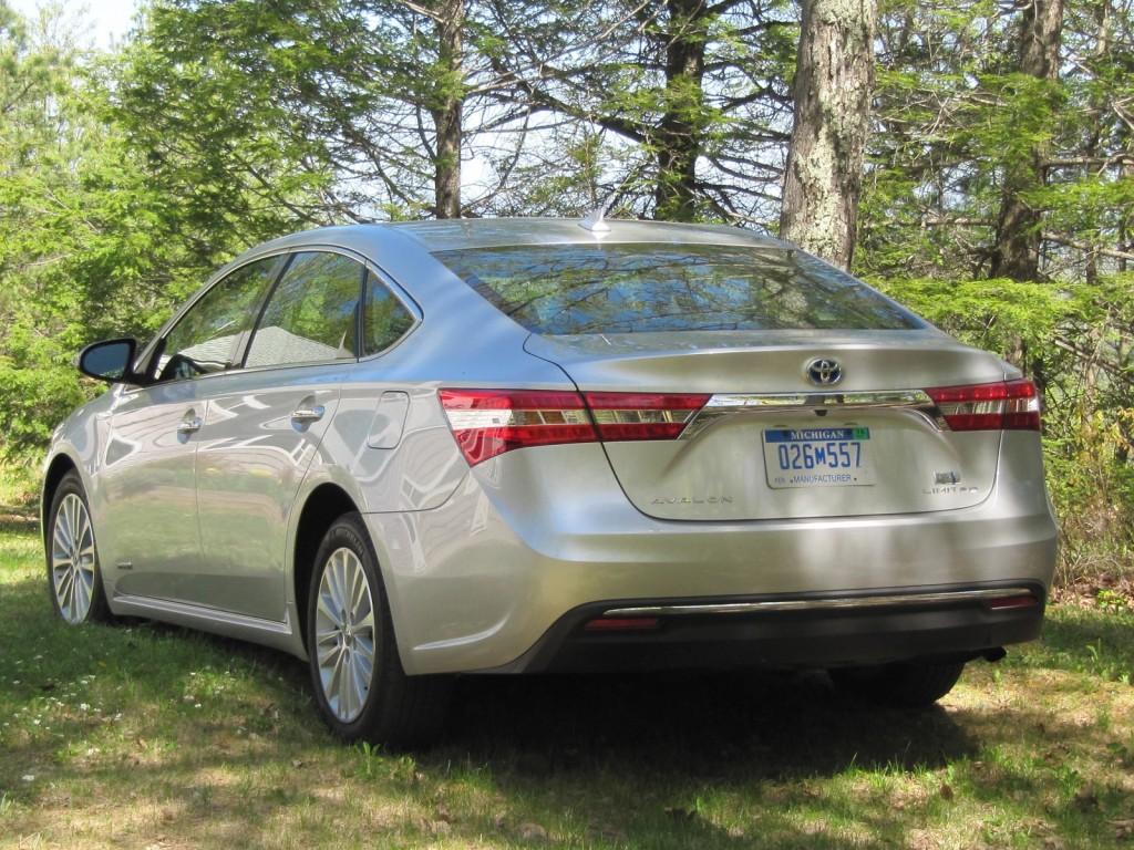 Toyota Avalon Hybrid Limited Consumer Reports 2017