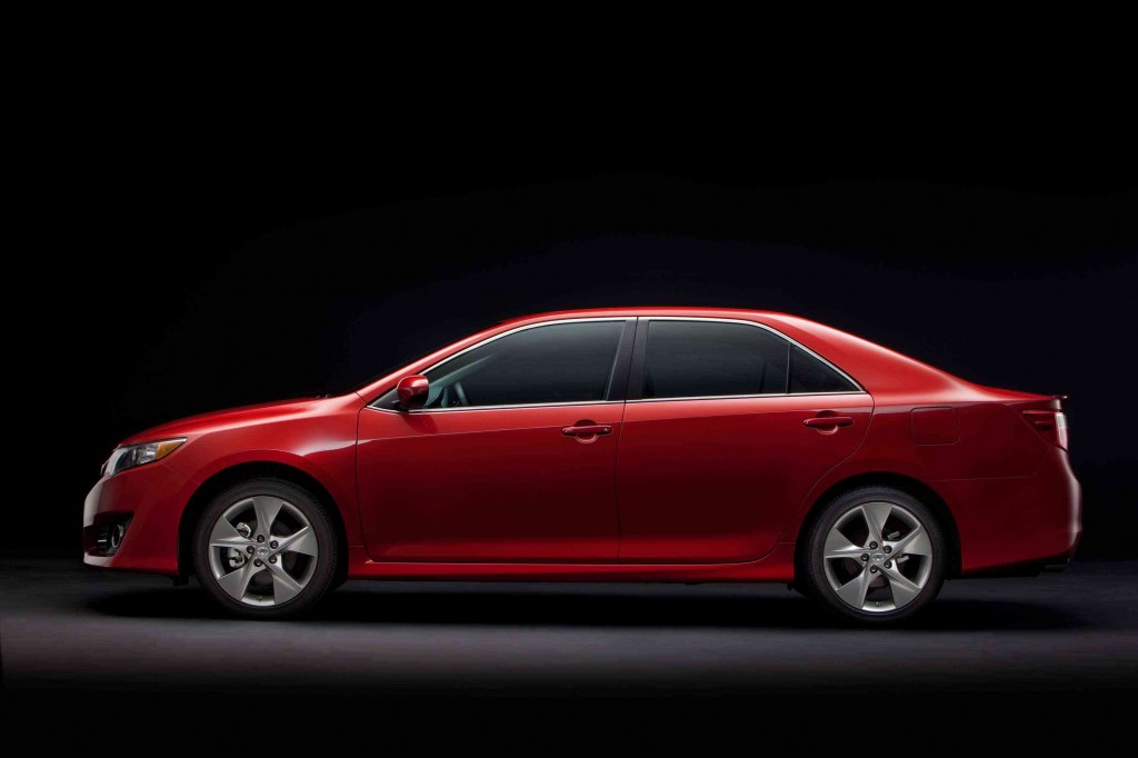 2013-Toyota-Camry-Pictures submited images.