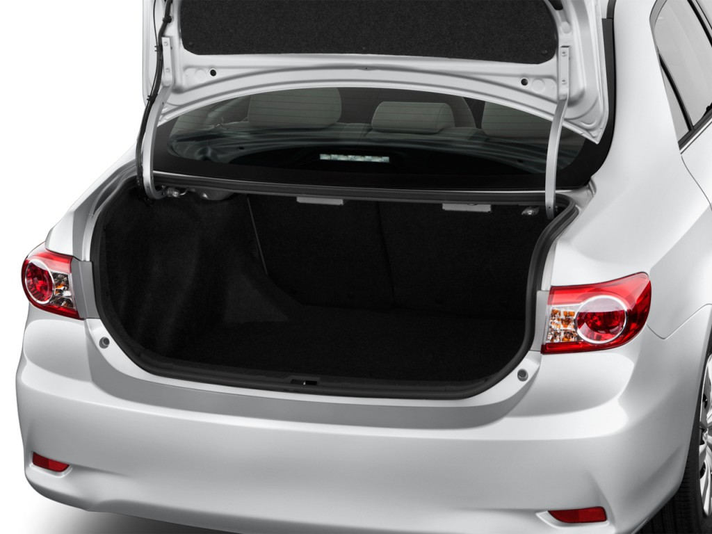 Image: 2013 Toyota Corolla 4-door Sedan Auto LE (Natl ...