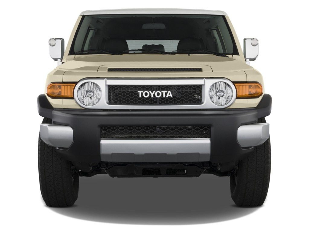 2013 toyota fj cruiser pictures photos gallery the car connection. Black Bedroom Furniture Sets. Home Design Ideas