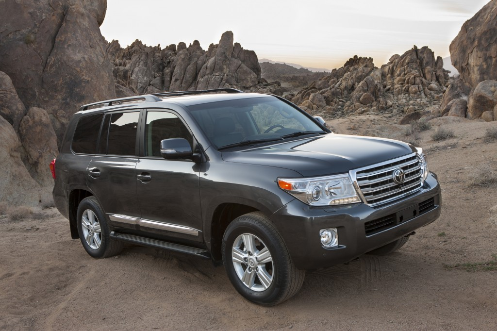 2013 toyota land cruiser pictures photos gallery motorauthority