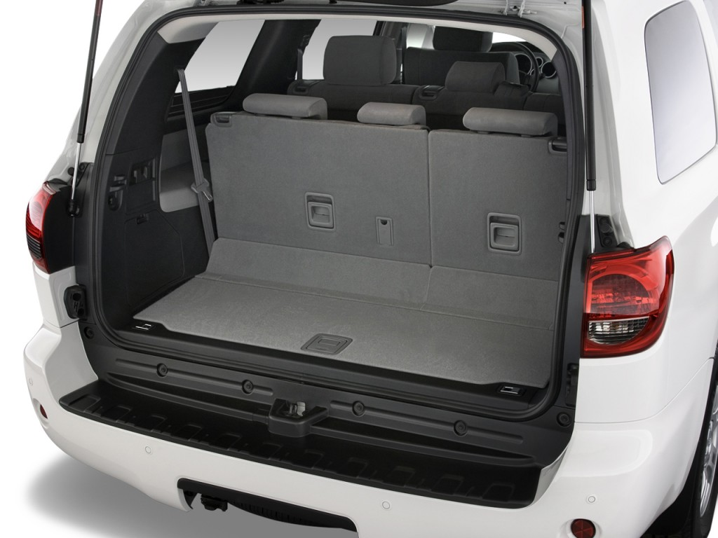 image 2013 toyota sequoia 4wd 5 7l sr5 natl trunk size. Black Bedroom Furniture Sets. Home Design Ideas