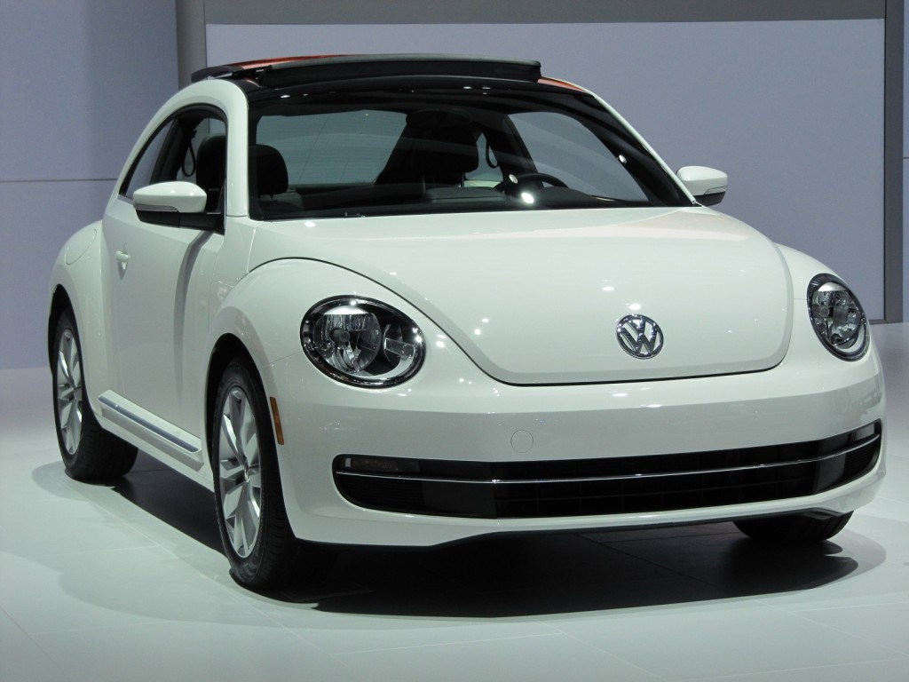 2013 volkswagen beetle tdi live photos 2012 chicago auto show. Black Bedroom Furniture Sets. Home Design Ideas