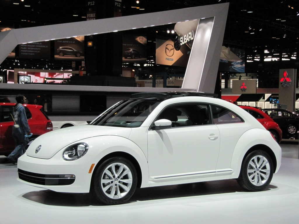 2013 volkswagen beetle tdi live gallery from chicago auto show. Black Bedroom Furniture Sets. Home Design Ideas