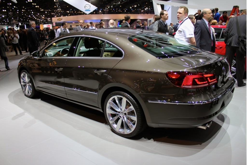 2013 volkswagen cc live photos 2011 l a auto show. Black Bedroom Furniture Sets. Home Design Ideas