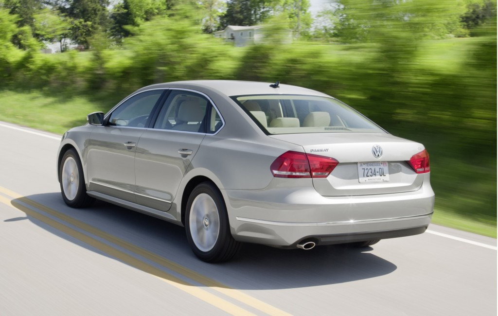 2013 volkswagen passat vw pictures photos gallery green car reports. Black Bedroom Furniture Sets. Home Design Ideas