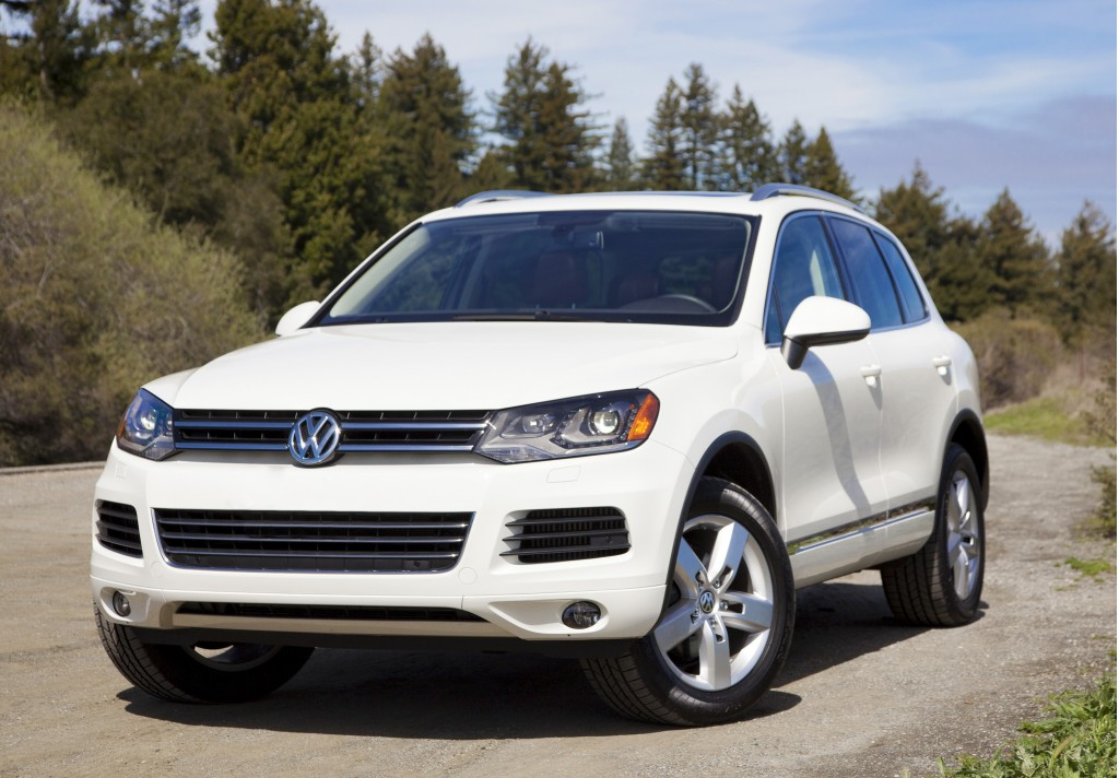2013 volkswagen touareg vw pictures photos gallery motorauthority. Black Bedroom Furniture Sets. Home Design Ideas