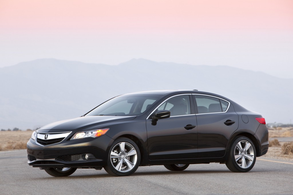2014 acura ilx higher price more features and more. Black Bedroom Furniture Sets. Home Design Ideas