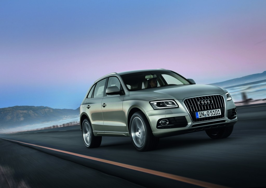 2014 audi q5 pictures photos gallery the car connection. Black Bedroom Furniture Sets. Home Design Ideas