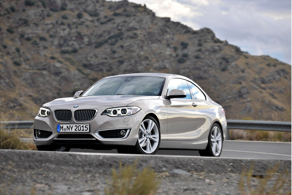 2014 bmw 2 series first look 2014 detroit auto show video. Black Bedroom Furniture Sets. Home Design Ideas