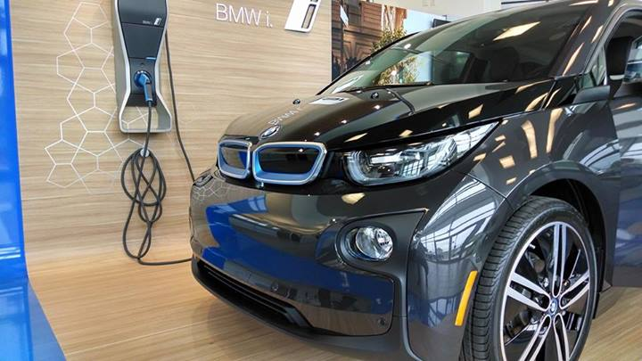 2014 bmw i3 what a tesla driver thinks of new electric bmw. Black Bedroom Furniture Sets. Home Design Ideas
