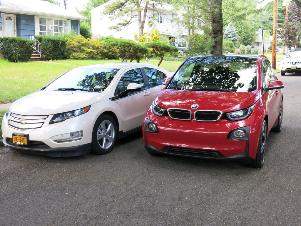 2014 bmw i3 rex vs chevy volt range extended electric cars compared. Black Bedroom Furniture Sets. Home Design Ideas