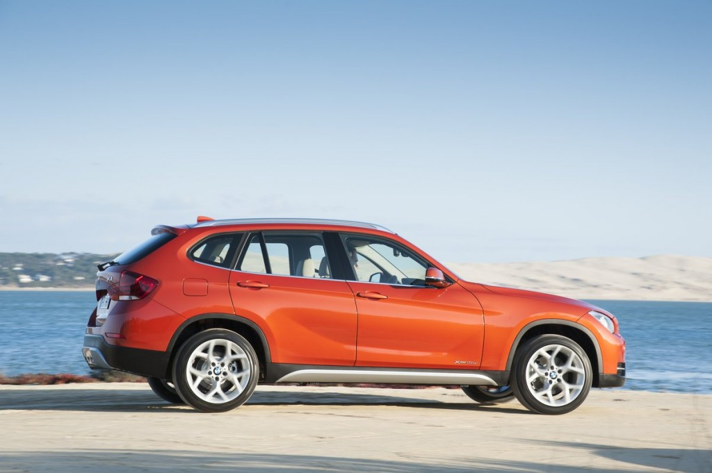 2014 bmw x1 pictures photos gallery motorauthority. Black Bedroom Furniture Sets. Home Design Ideas