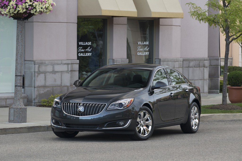 2014 buick regal gets standard turbo better fuel economy. Black Bedroom Furniture Sets. Home Design Ideas