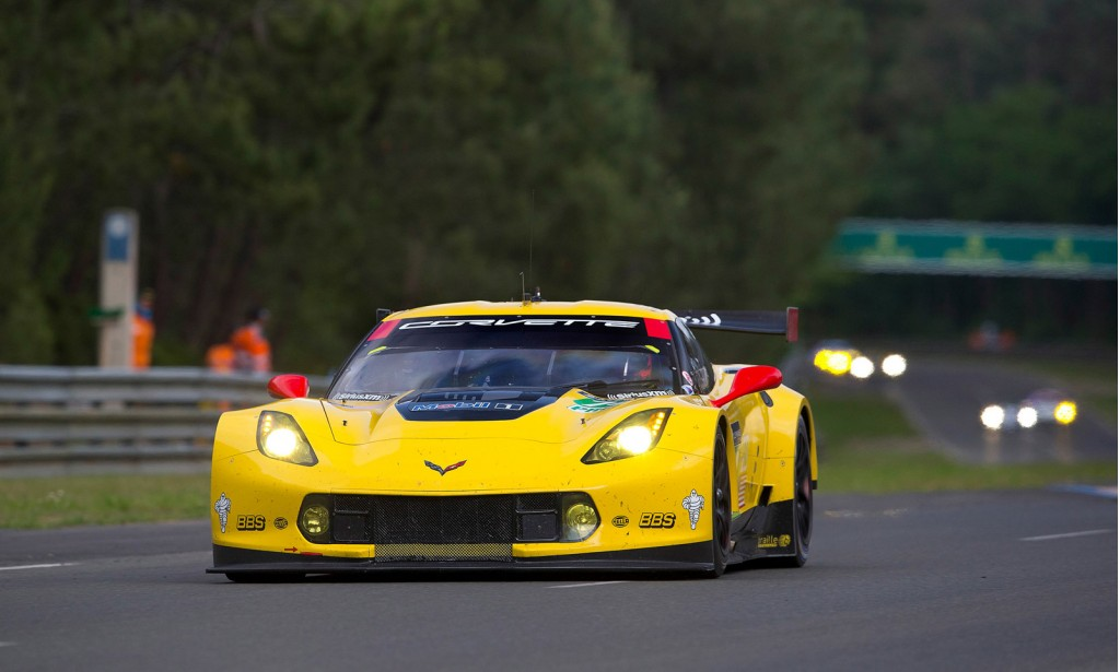 2014-chevr​olet-corve​tte-c7-r-a​t-the-24-h​ours-of-le​-mans_1004​69234_l