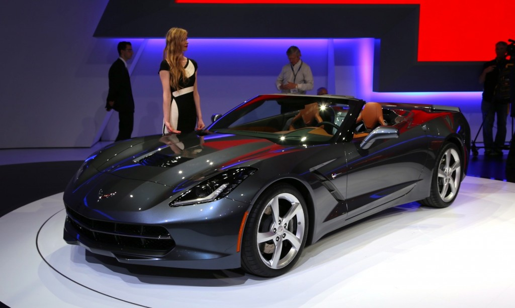 2014 chevrolet corvette stingray convertible live photos video from geneva debut. Black Bedroom Furniture Sets. Home Design Ideas