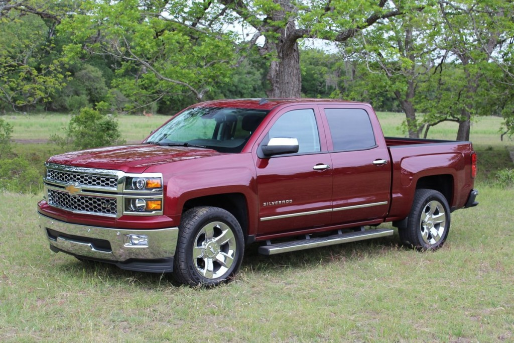 2014 chevrolet silverado 1500 first drive. Black Bedroom Furniture Sets. Home Design Ideas