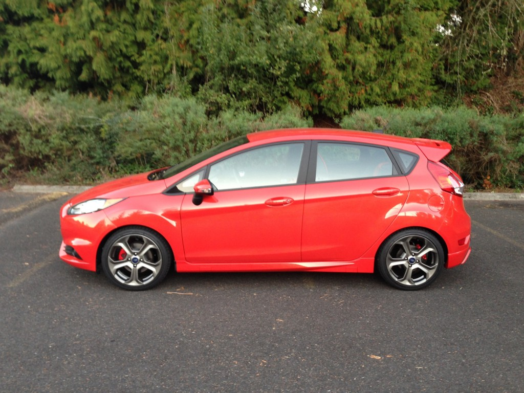 2014 ford fiesta st quick drive. Black Bedroom Furniture Sets. Home Design Ideas