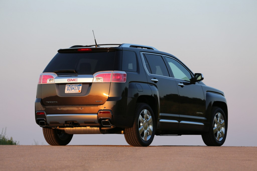 2014 gmc terrain pictures photos gallery the car connection. Black Bedroom Furniture Sets. Home Design Ideas