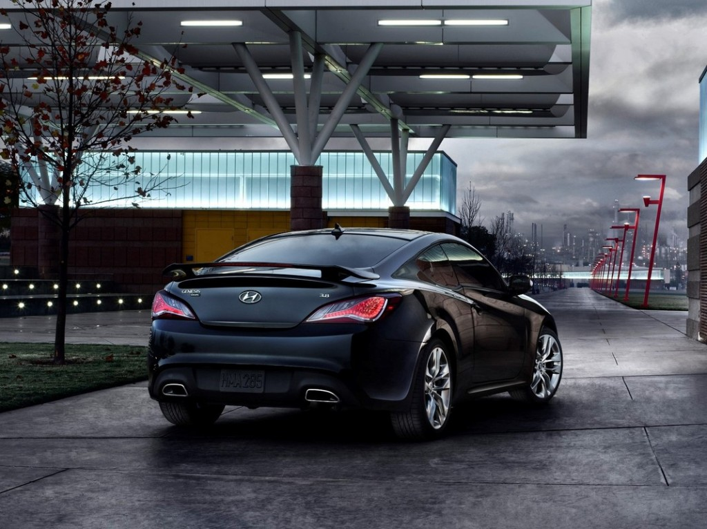 2014 hyundai genesis coupe pictures photos gallery green car reports. Black Bedroom Furniture Sets. Home Design Ideas