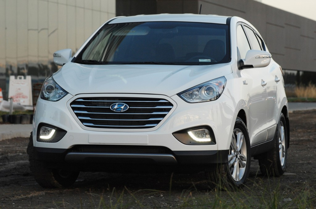 2015 hyundai tucson fuel cell hydrogen crossover first drive. Black Bedroom Furniture Sets. Home Design Ideas