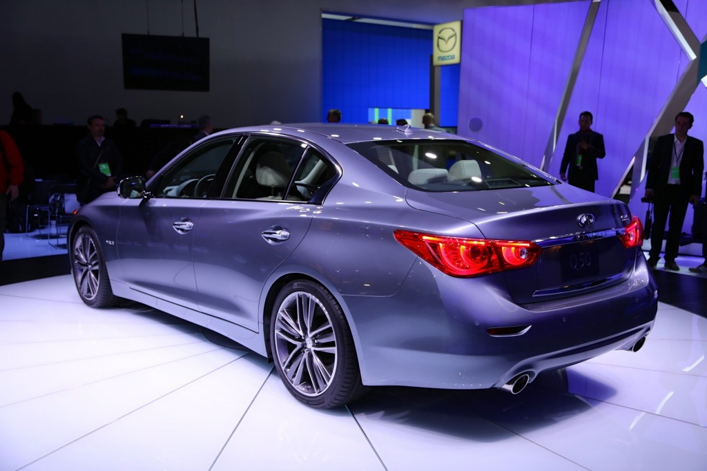 2014 infiniti q50 debuts at the 2013 detroit auto show. Black Bedroom Furniture Sets. Home Design Ideas