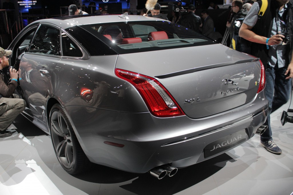 2014 jaguar xjr new york auto show live images. Black Bedroom Furniture Sets. Home Design Ideas