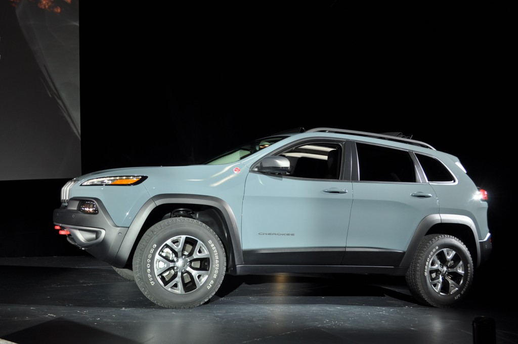 2014 jeep cherokee full specs 2013 new york auto show apps 2014 jeep. Cars Review. Best American Auto & Cars Review