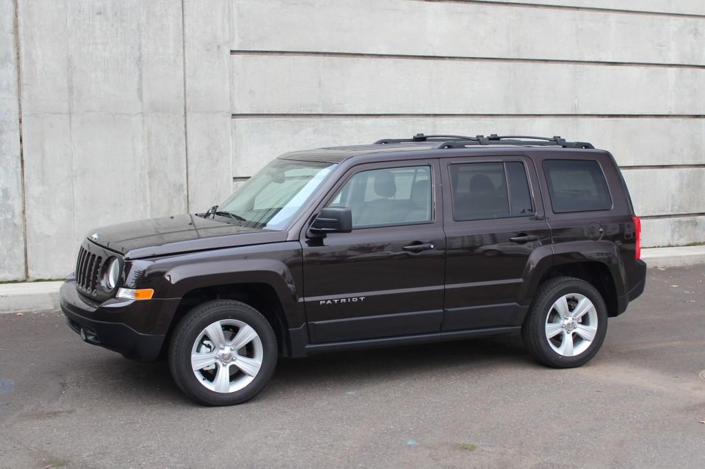 2014 Jeep Patriot Pictures Photos Gallery Green Car Reports