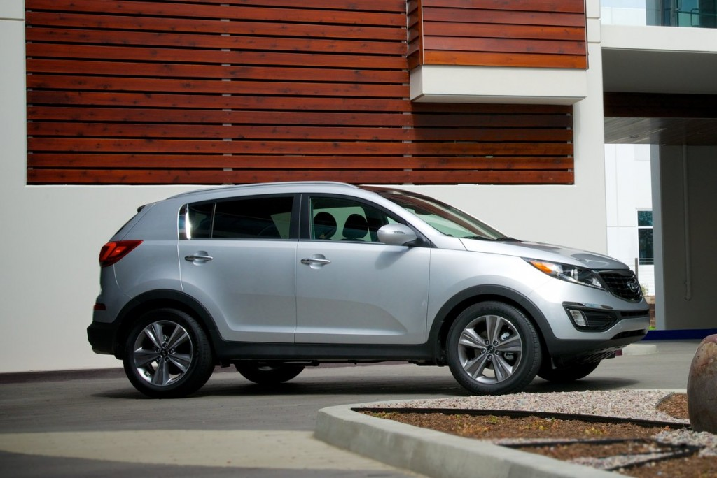 2014 kia sportage pictures photos gallery the car connection. Black Bedroom Furniture Sets. Home Design Ideas