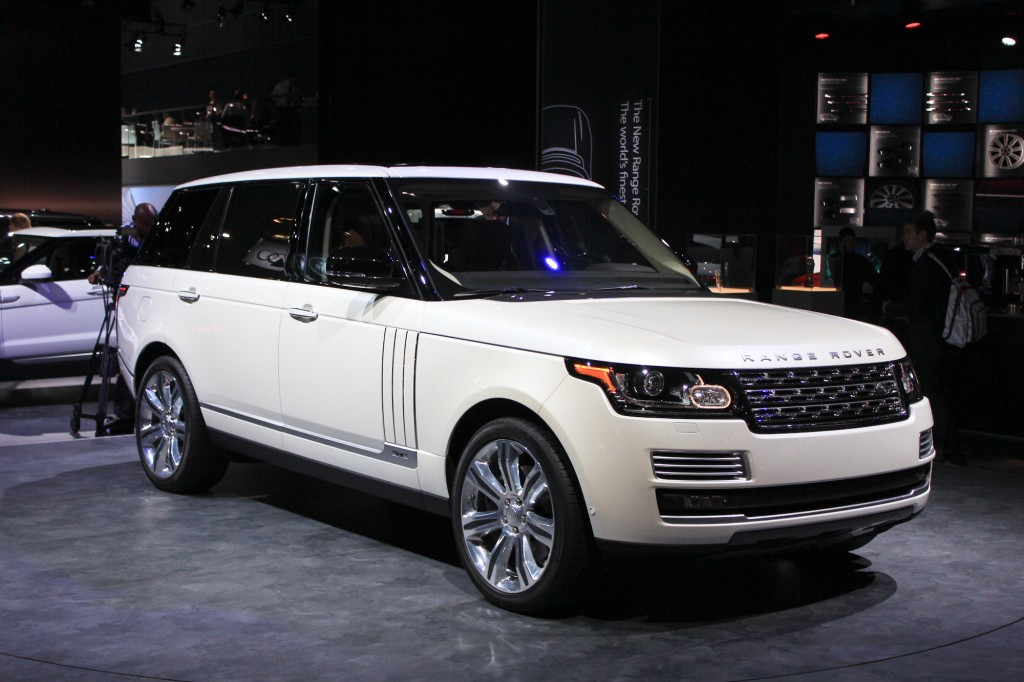 2014 land rover range rover long wheelbase 2013 l a auto show video. Black Bedroom Furniture Sets. Home Design Ideas