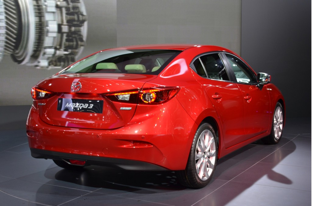 2014 mazda 3 sedan live photo gallery 2013 frankfurt auto. Black Bedroom Furniture Sets. Home Design Ideas